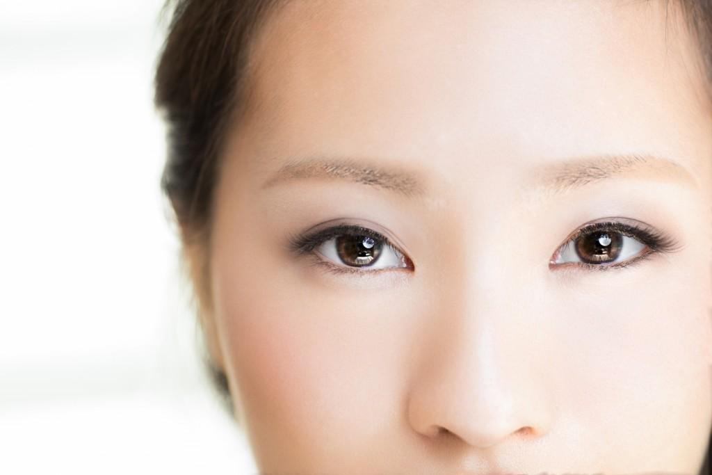 女性の目・美容