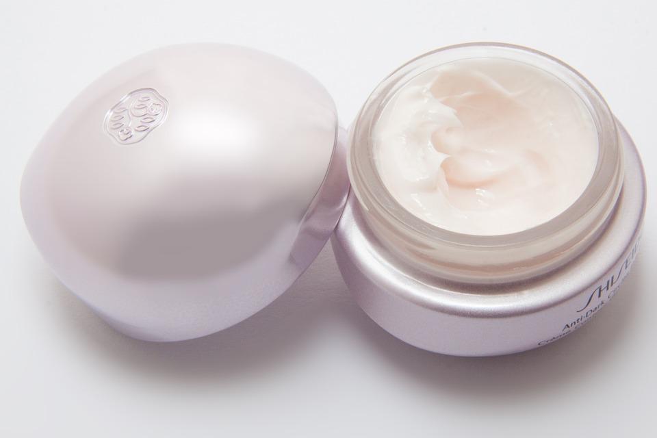 cream-194126_960_720