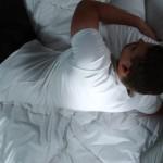 寝返りしない赤ちゃんは大丈夫?原因や対策方法を紹介!大人の寝返りについての意見は?