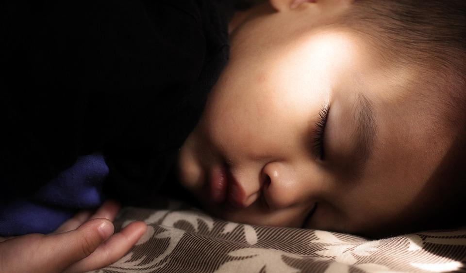 children-1922580_960_720眠る子供