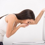 生理痛で吐き気を感じてしまう!その原因と対処法、病院での治療法を知ろう!