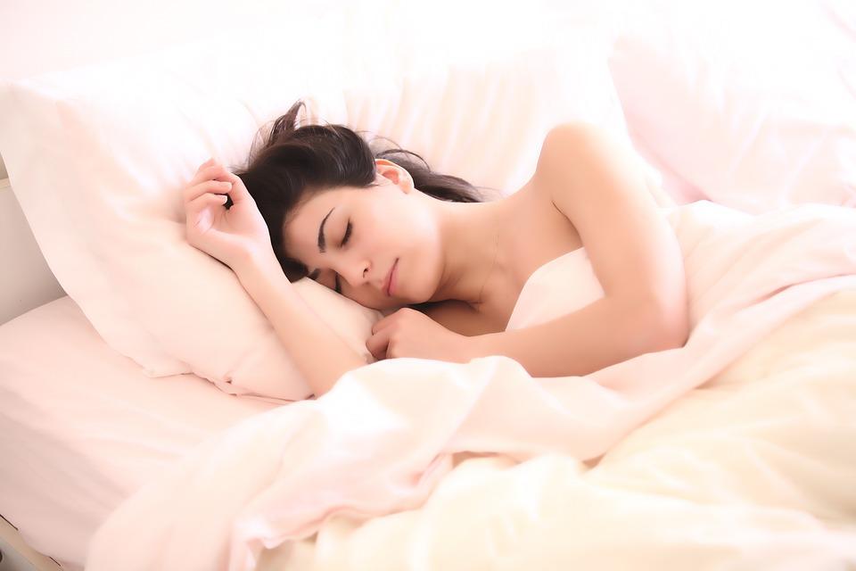 woman-2197947_960_720睡眠