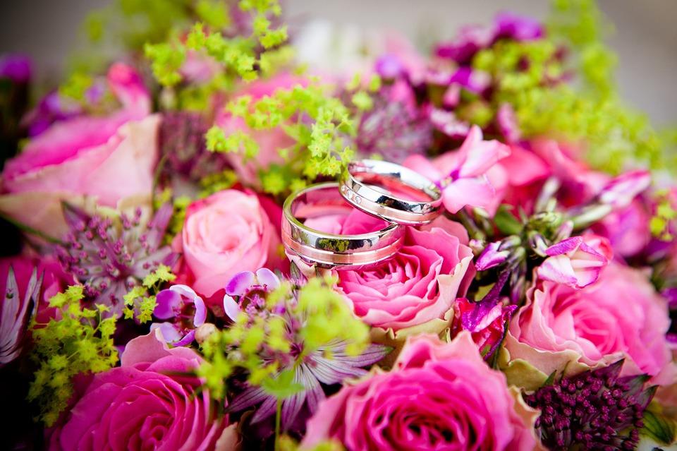 flowers-260894_960_720結婚式