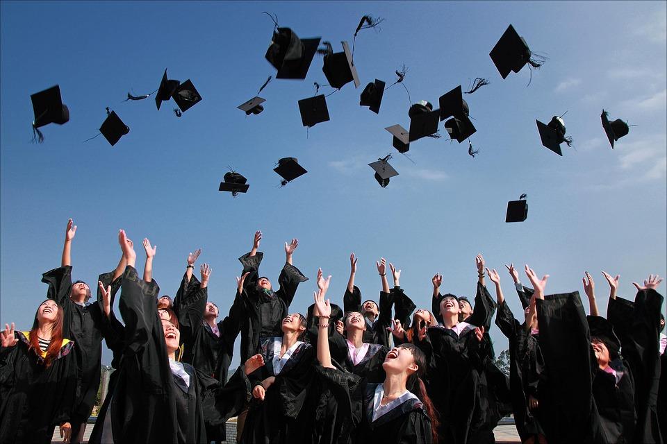 university-student-1872810_960_720
