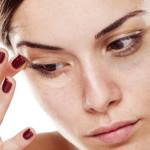 目の下が痙攣する原因とは?病気の可能性と治療方法を紹介!
