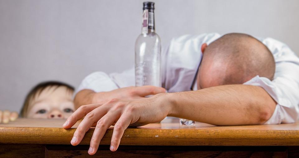 alcoholic-1939418_960_720