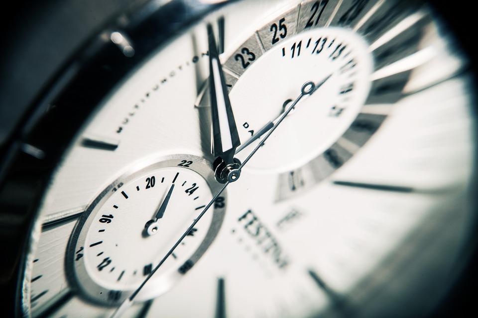 clock-407101_960_720