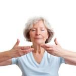 横隔膜呼吸とは?やり方や効果を知ろう!肩こりやストレスに有効?