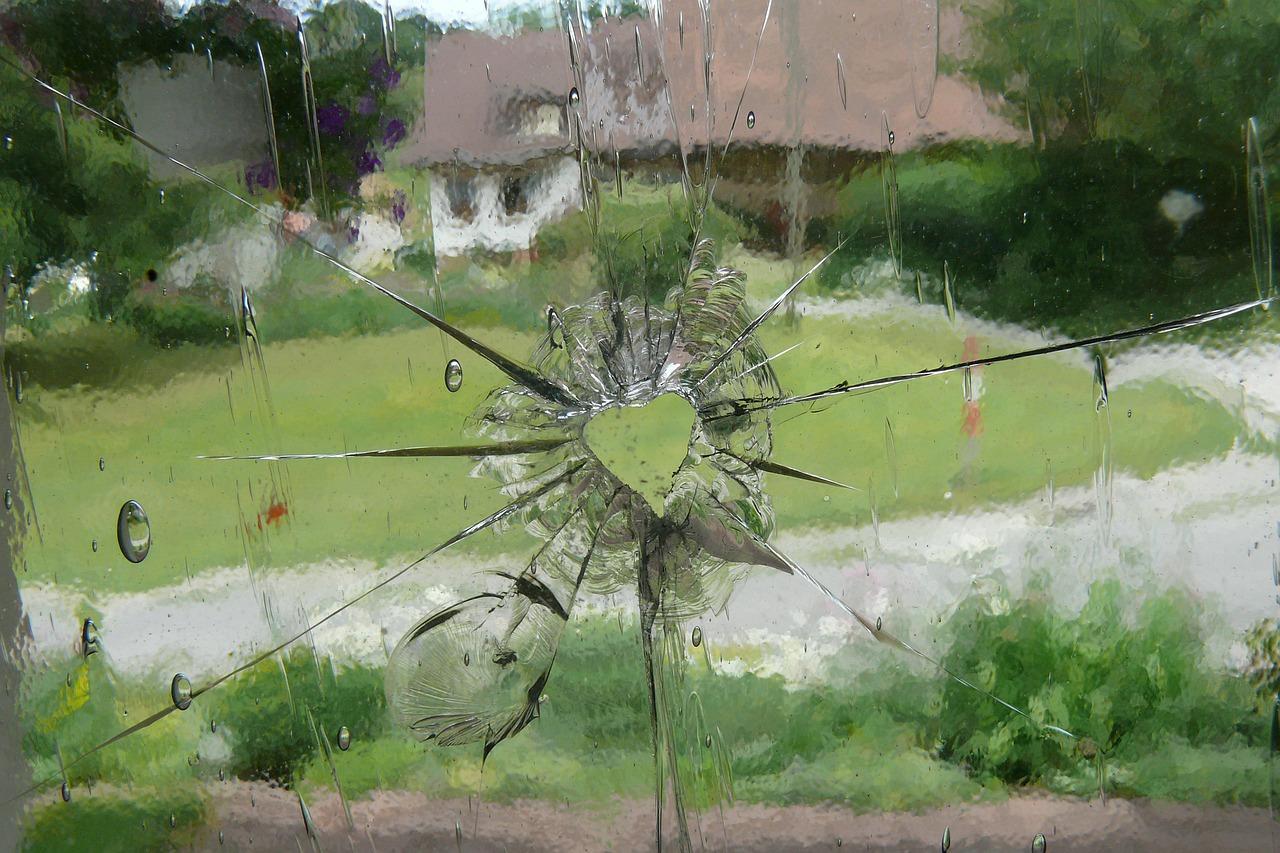 glass-423551_1280