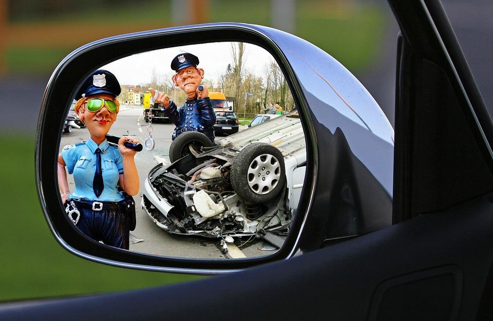 警察 事故