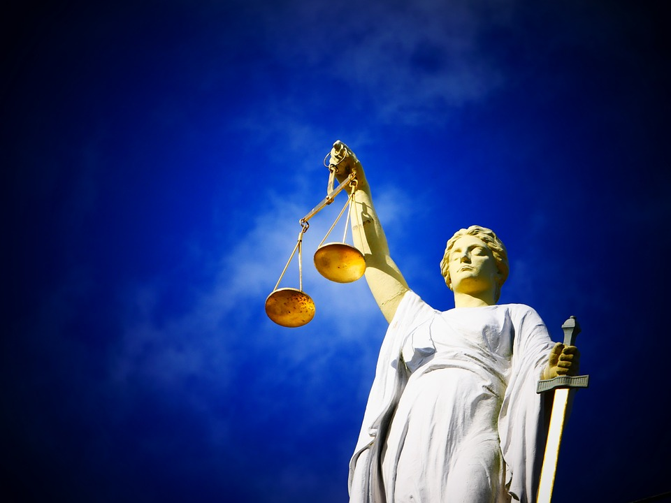 justice-2071539_960_720正義の女神