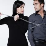 束縛する人の心理や特徴を知ろう!束縛されやすい人の特徴は?