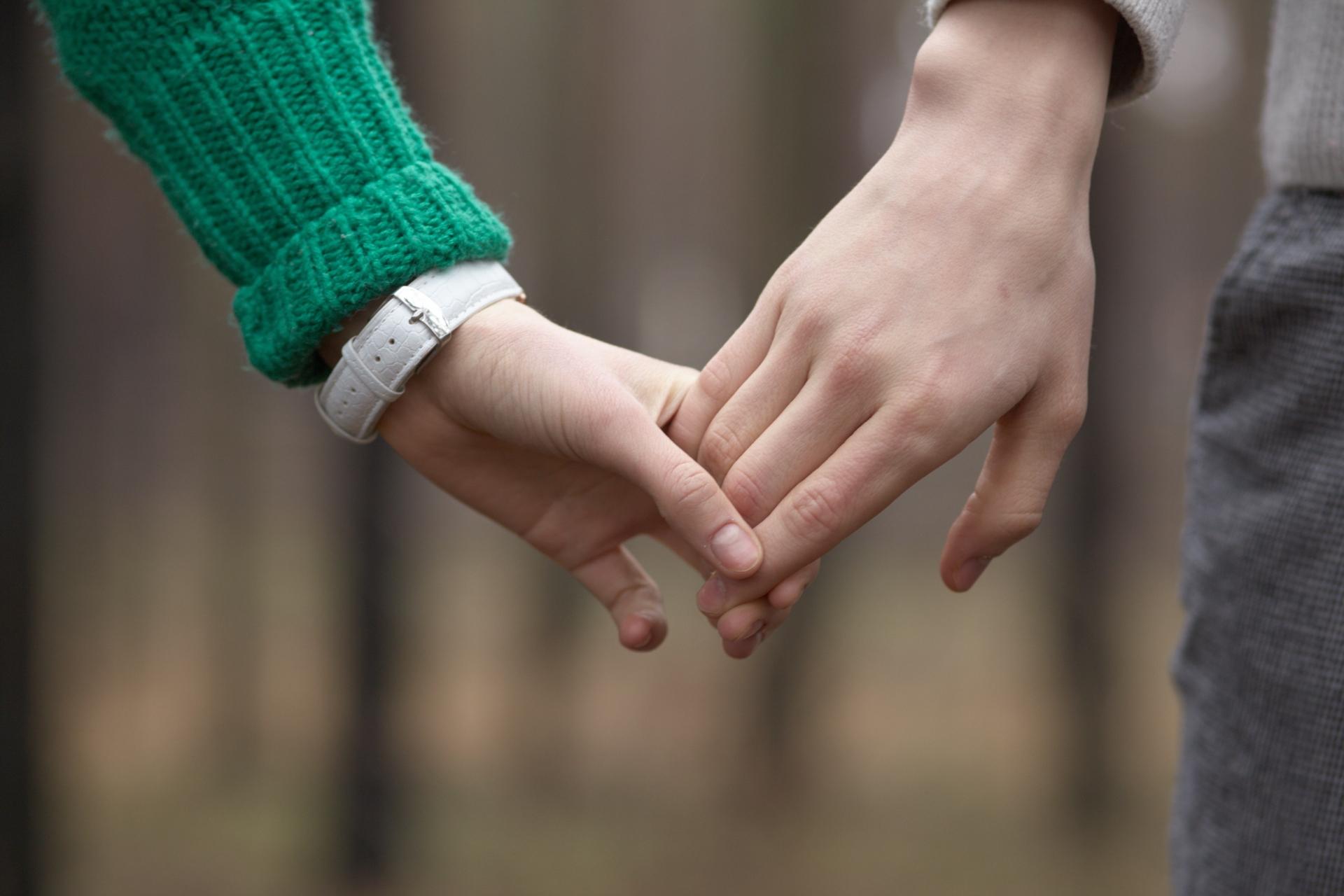 好きな人と手を繋ぐ