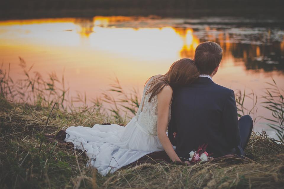 wedding-2616652_960_720重い女