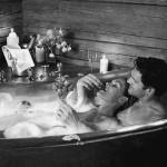 一緒にお風呂に入りたがるのは男性?女性?入る時の注意点も紹介!