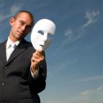 偽善者とは?意味や行動の心理、性格の特徴について紹介!