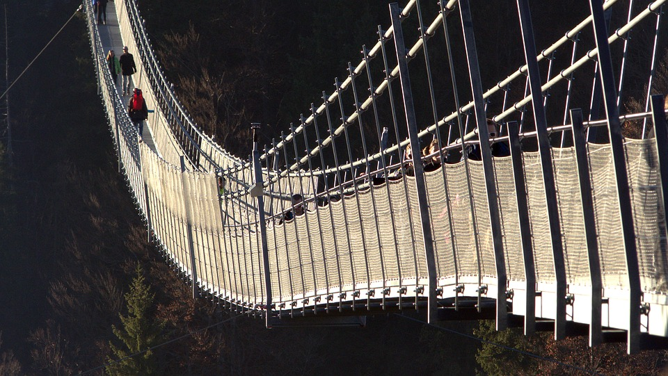 suspension-bridge-1171119_960_720
