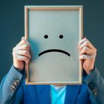 悲観的な性格とは?意味や特徴、メリット・デメリットを紹介!改善方法は?