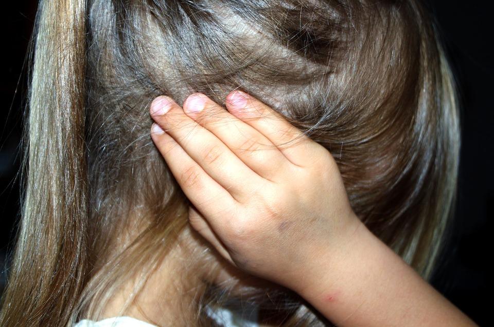 child-1439468_960_720家庭内暴力