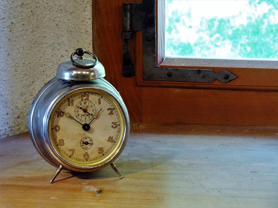 alarm-clock-1953417_960_720