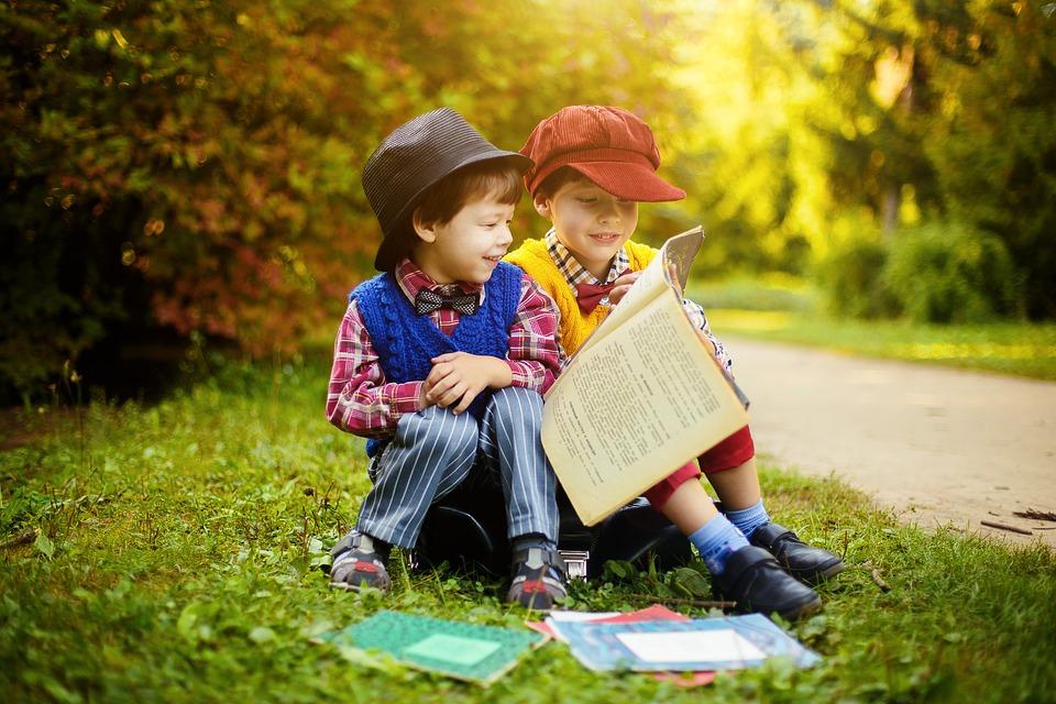books-2863724_960_720本を読む子供