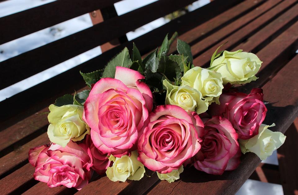 bouquet-of-roses-1246490_960_720別れの花束