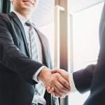 初出勤した時の挨拶の仕方やマナーを知ろう!新卒・転職・アルバイト別に紹介!