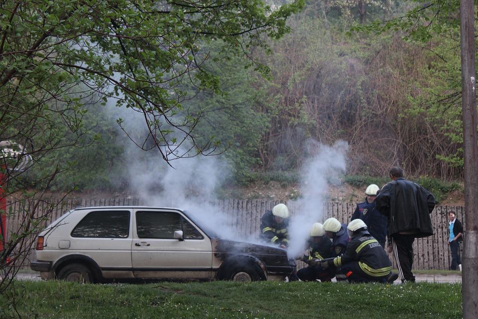 car-2593538_960_720事故現場