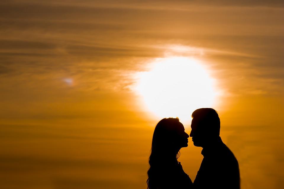 love-1643452_960_720愛し合うカップル